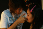 MediaCorp artiste DAWN YEOH also joined and try to do make up session