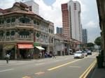 jalan-besar 通り 中国とマレーの様式が混ざったペラナカン様式の建物が並ぶ